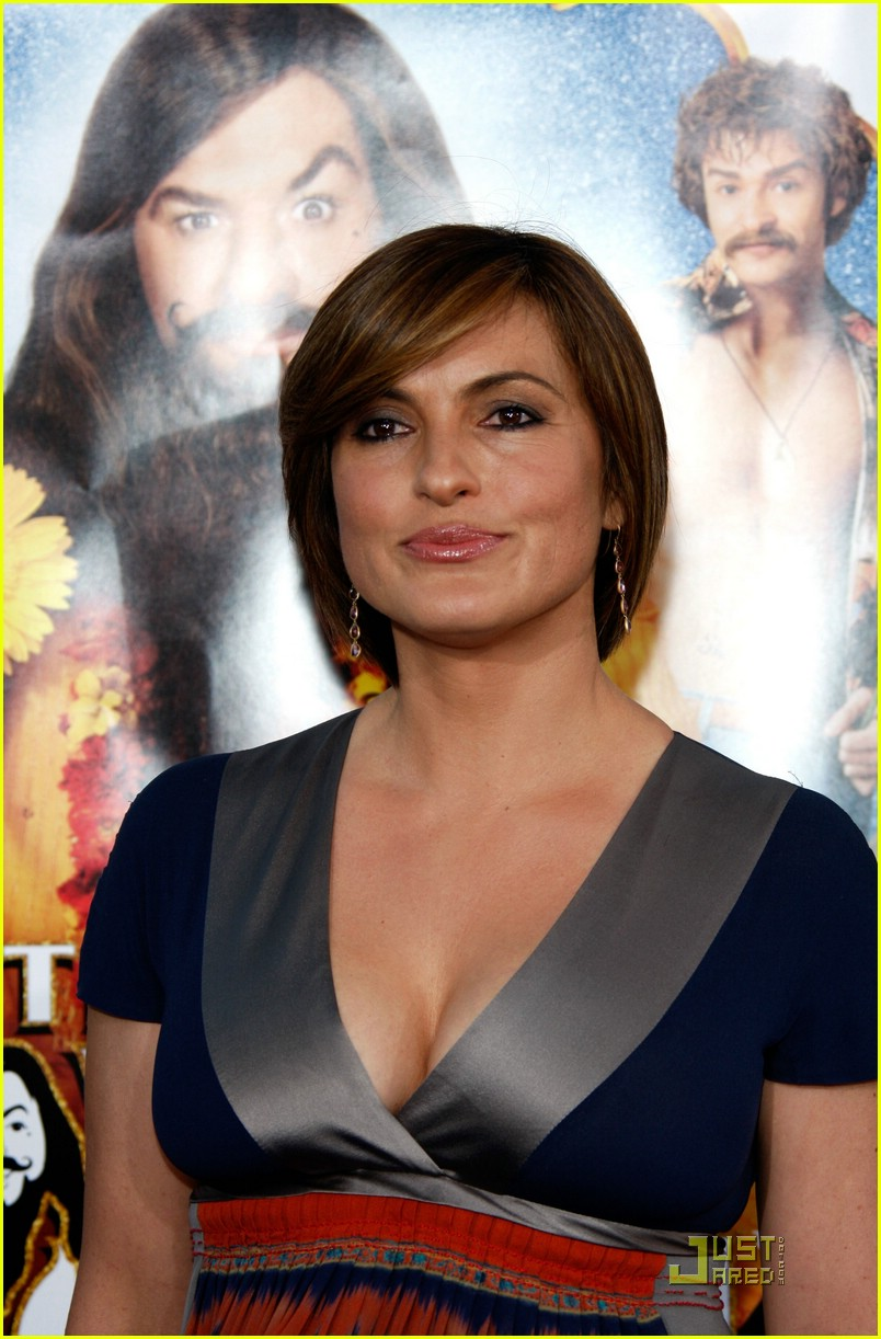 mariska hargitay love guru premiere 12