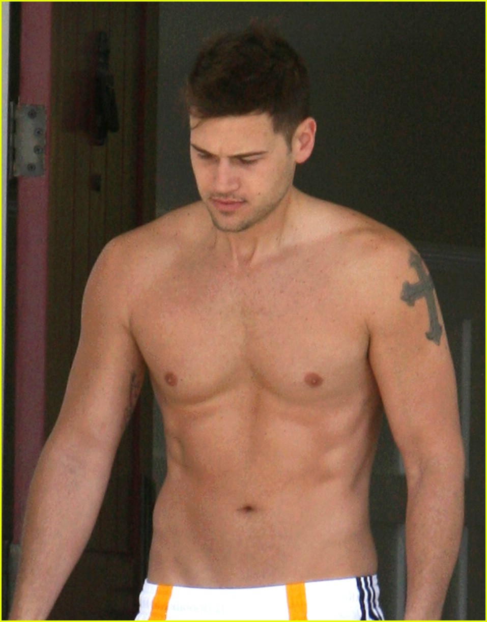nick zano shirtless 01