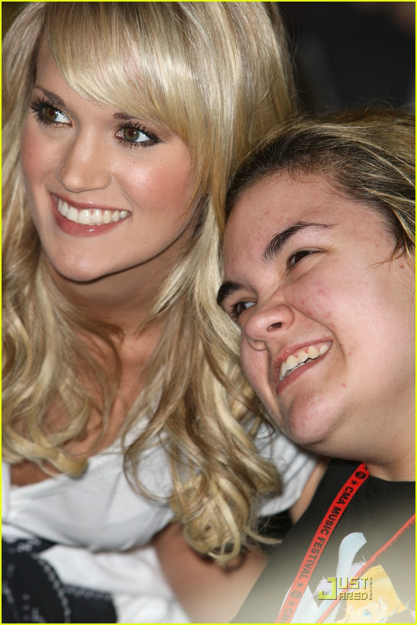 carrie underwood fan 34