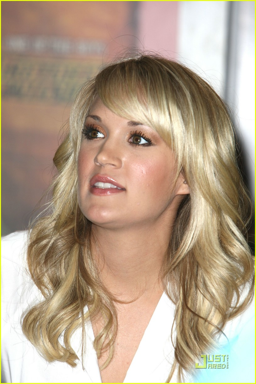carrie underwood fan 361189591