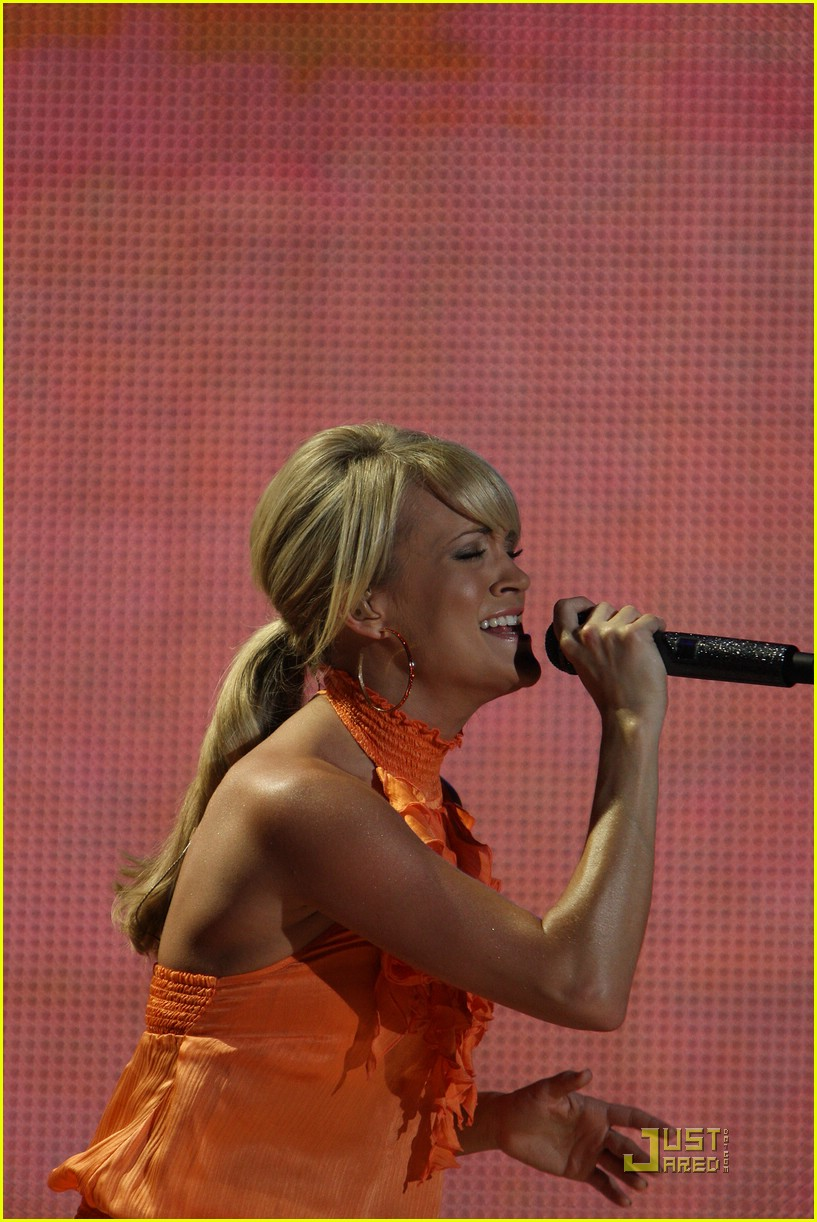 carrie underwood orange 021188451