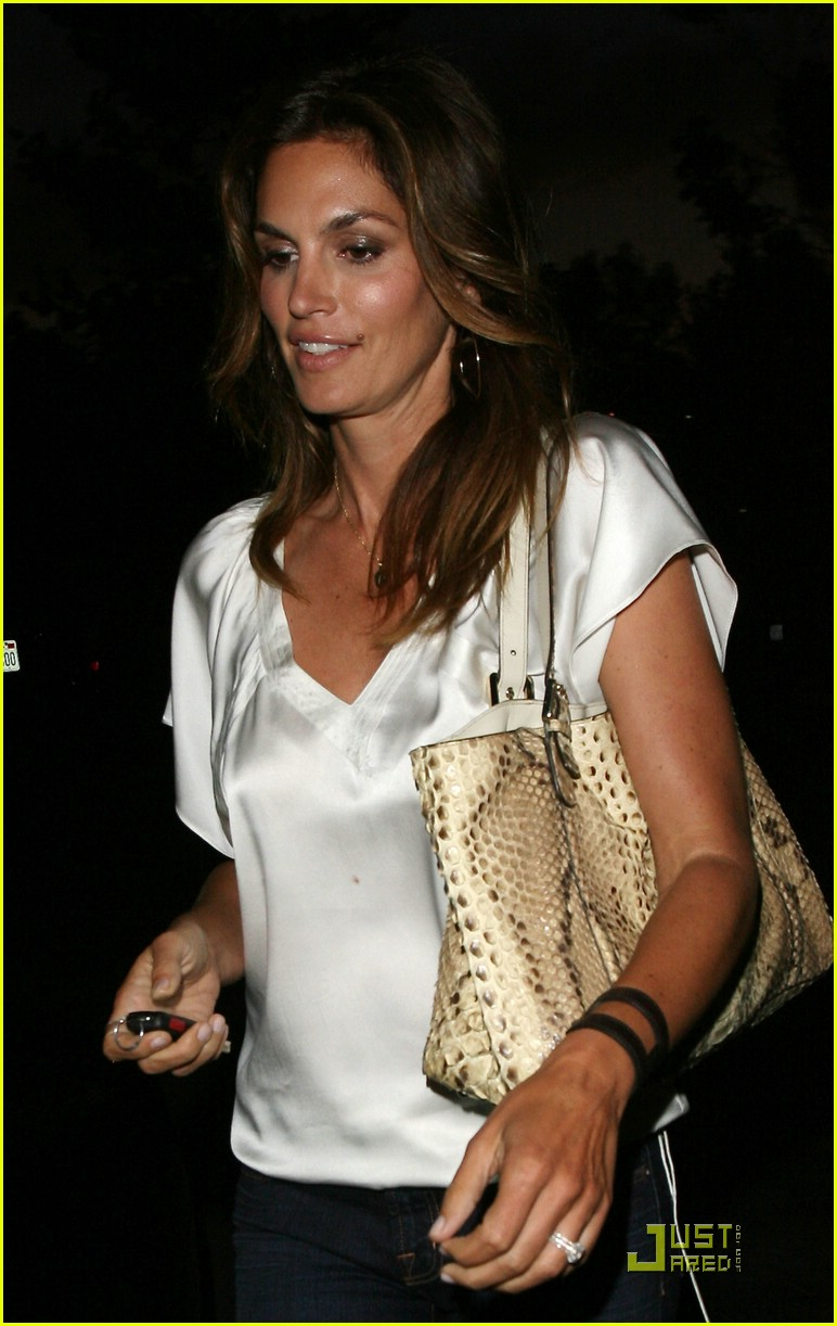cindy crawford bui sushi 01