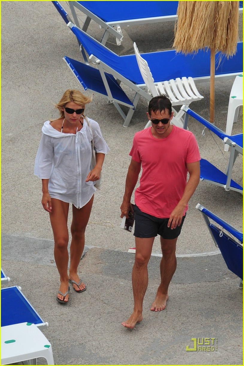 claire danes hugh dancy vacation 04