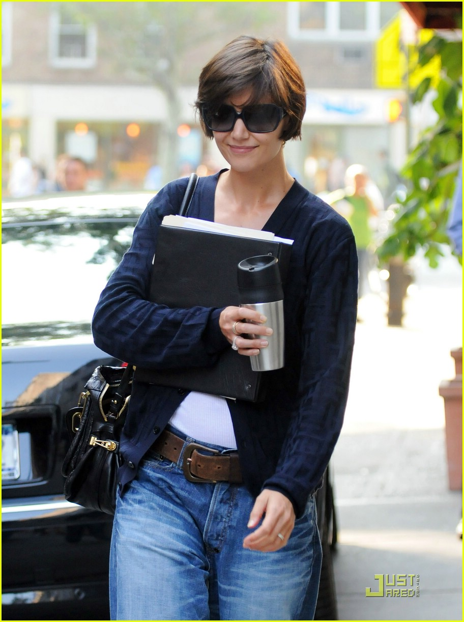 katie holmes keeps coffee close 10