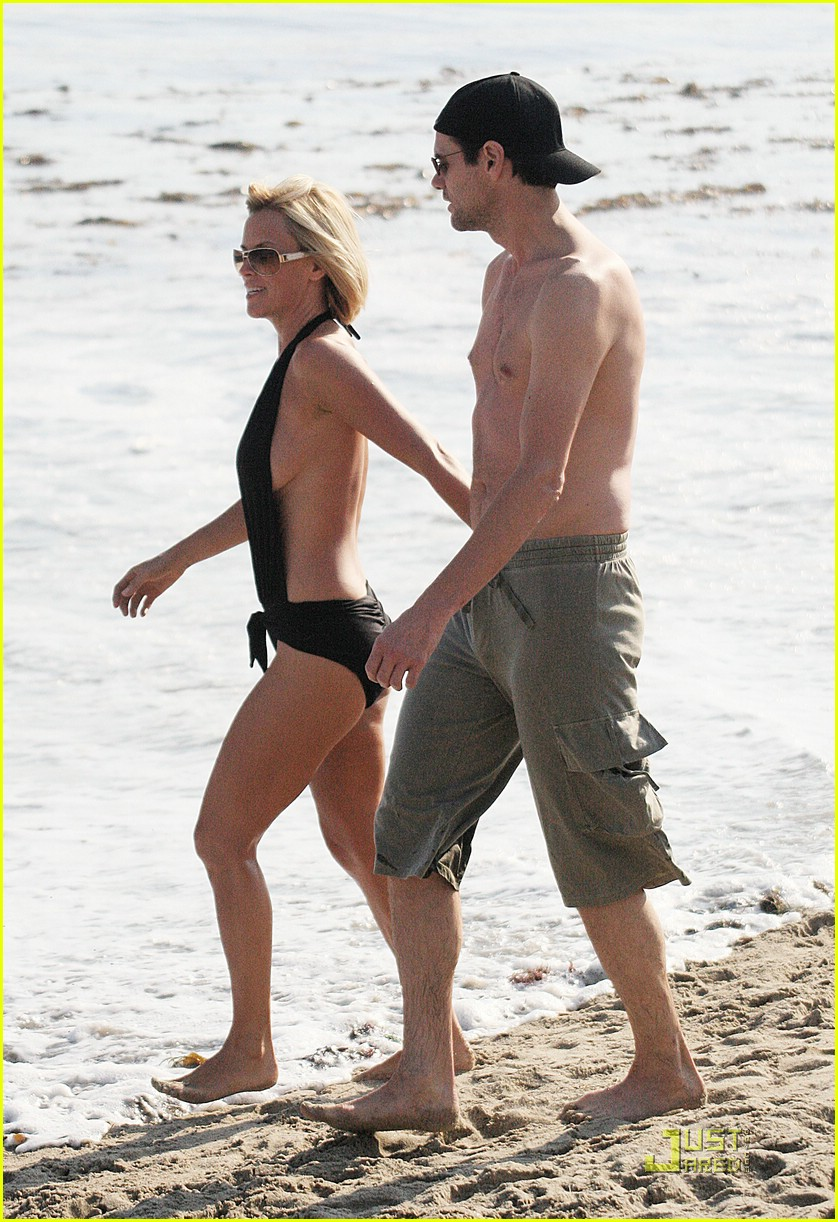 jim carrey jenny mccarthy same swimsuit 11
