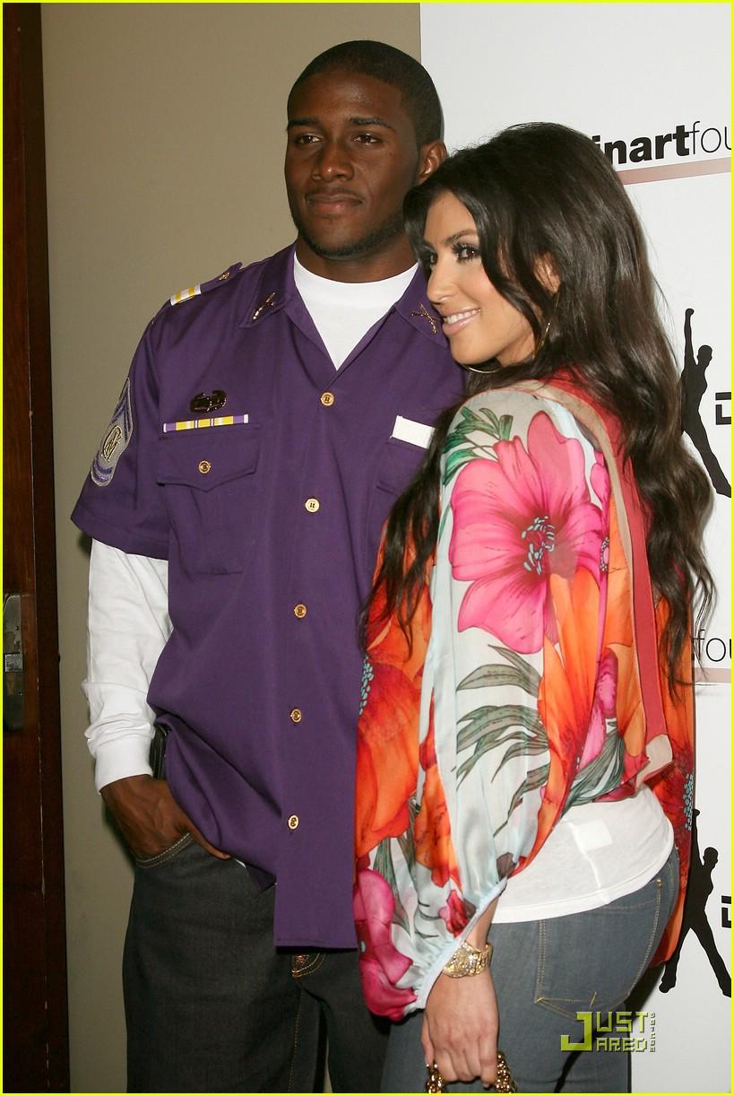 kim kardashian celebrity bowling 201282531