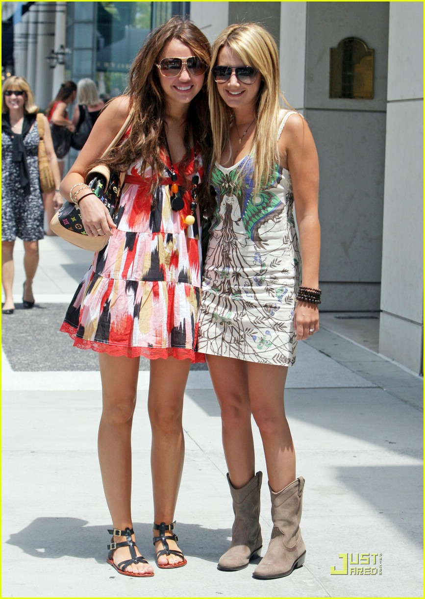 Miley Cyrus & Ashley Tisdale's Summer Shopping Spree