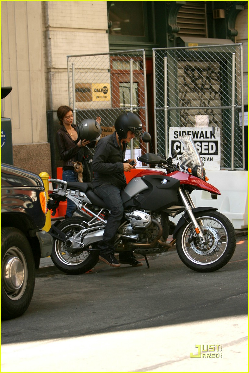 orlando bloom motorcycle 131356641