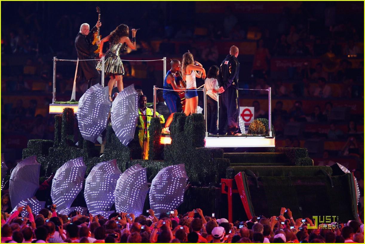 Leona Lewis' Olympic Closing Ceremony: Photo 1367341 ...