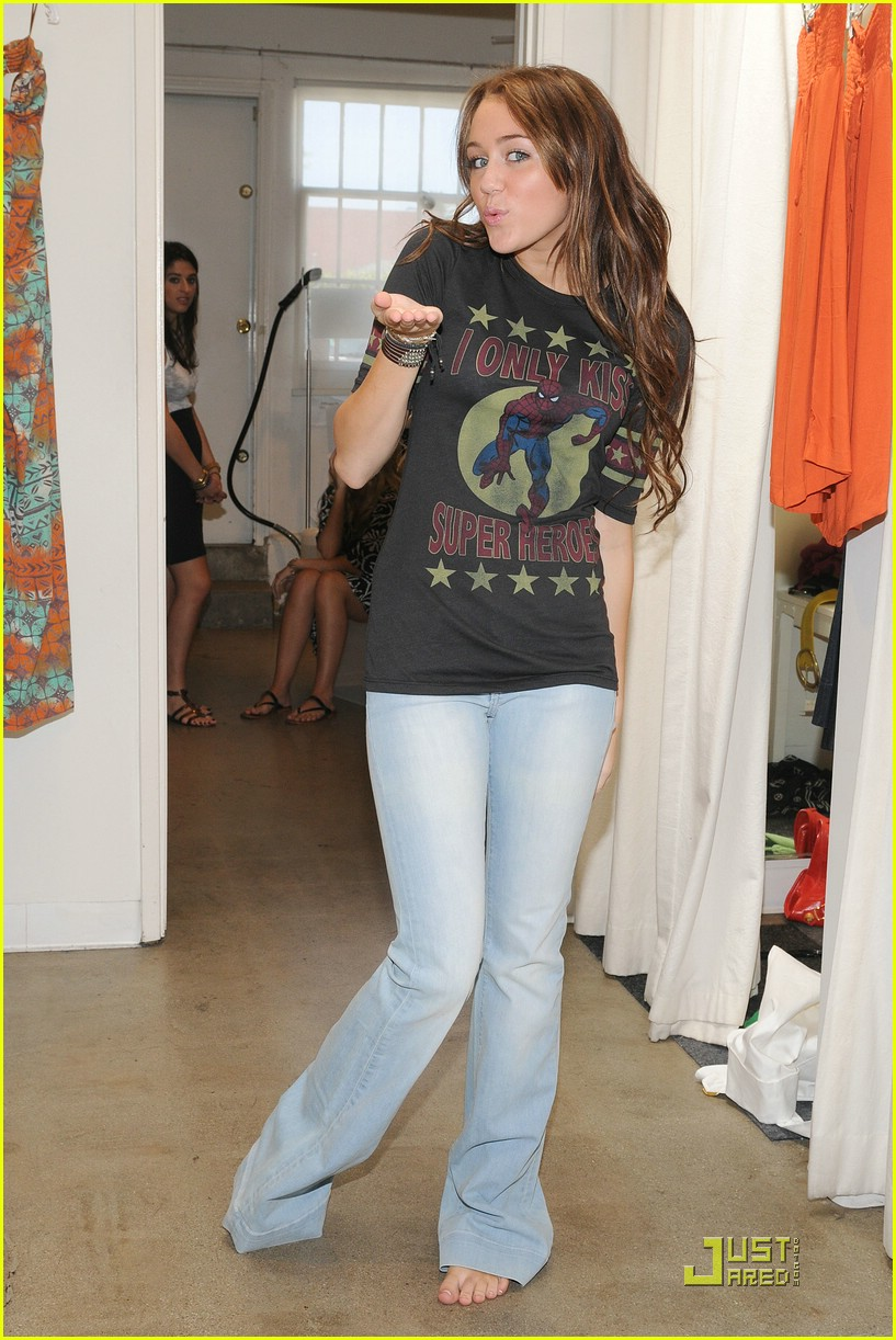 miley cyrus shopping intuition harmony lane 10