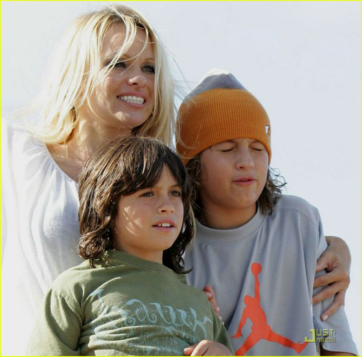 pamela anderson sons sydney 03