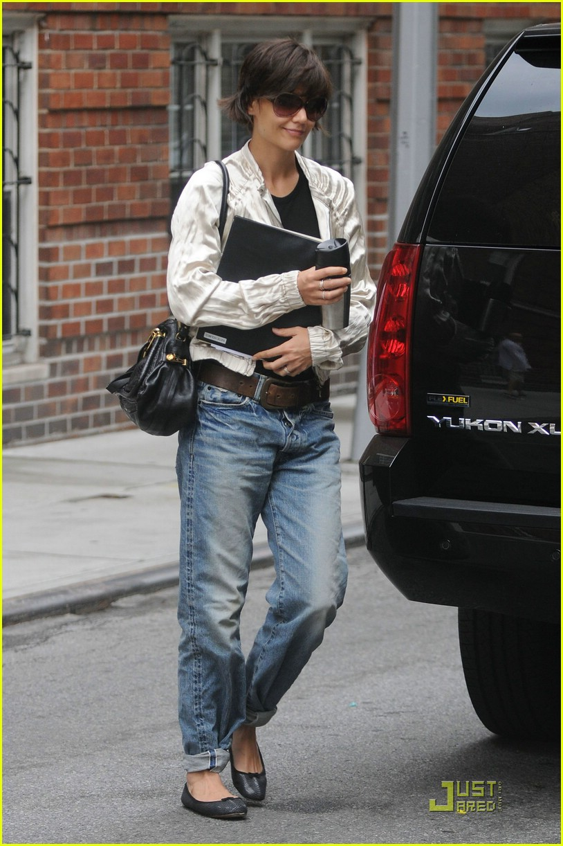 katie holmes pegged jeans 14