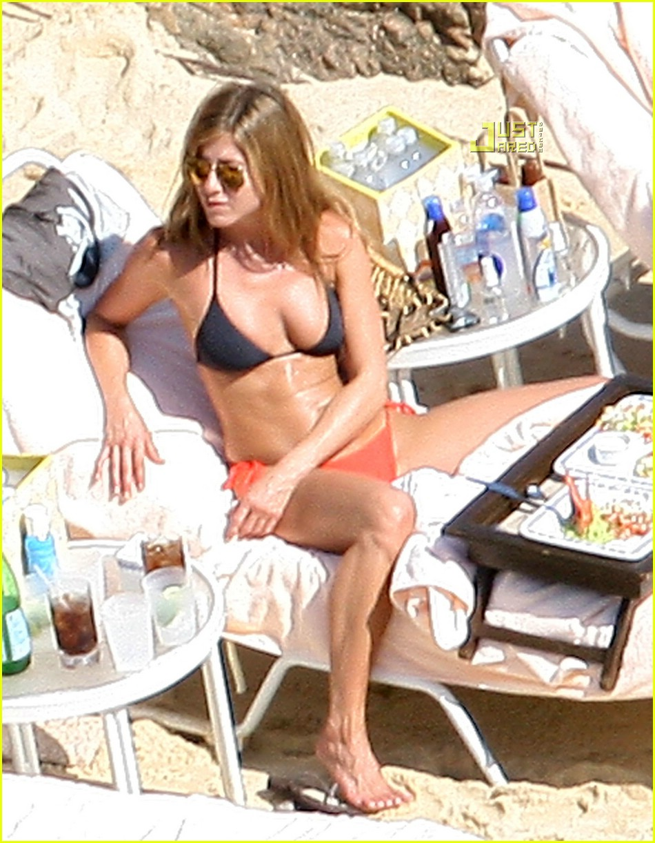 jennifer aniston cabo 09