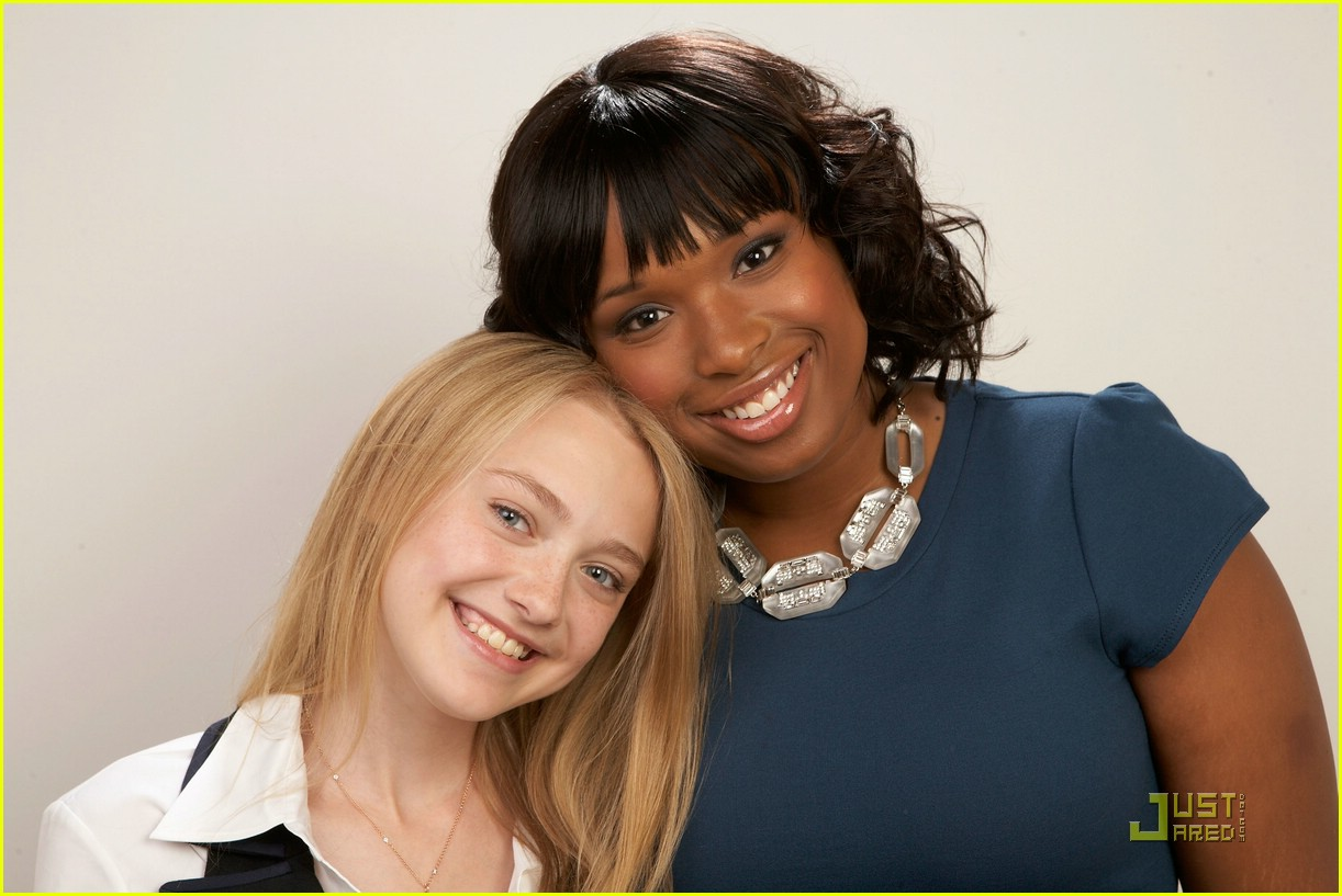 dakota fanning jennifer hudson best friends 01