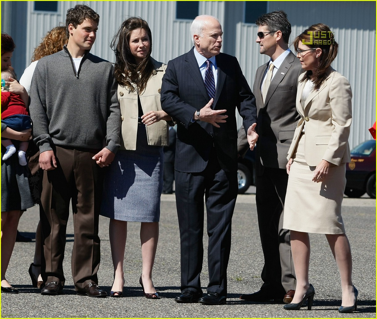 What Size Is Meghan Mccain: Bristol Palin: Levi Johnston, Meet John McCain: Photo