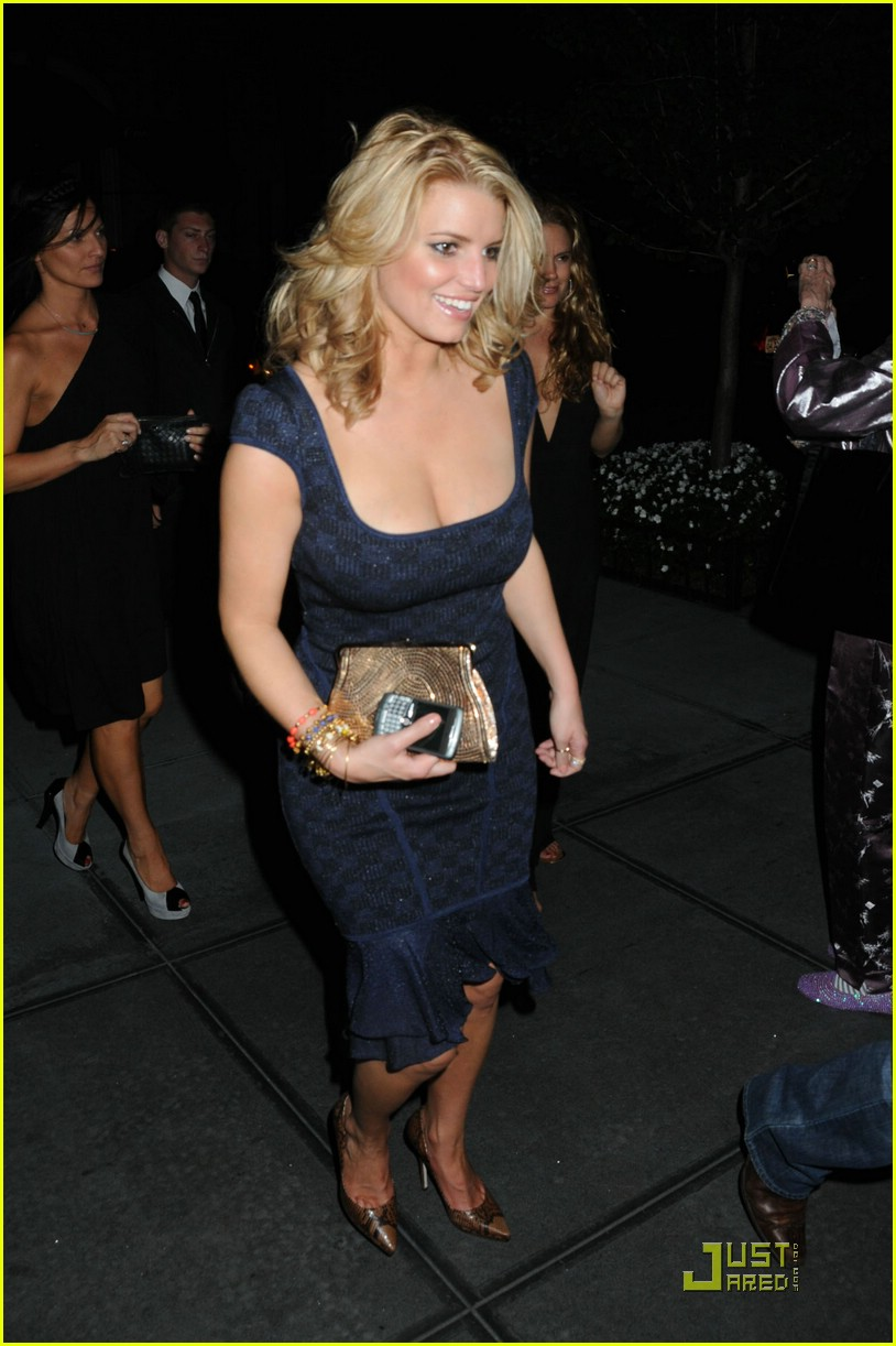 jessica simpson post party 05