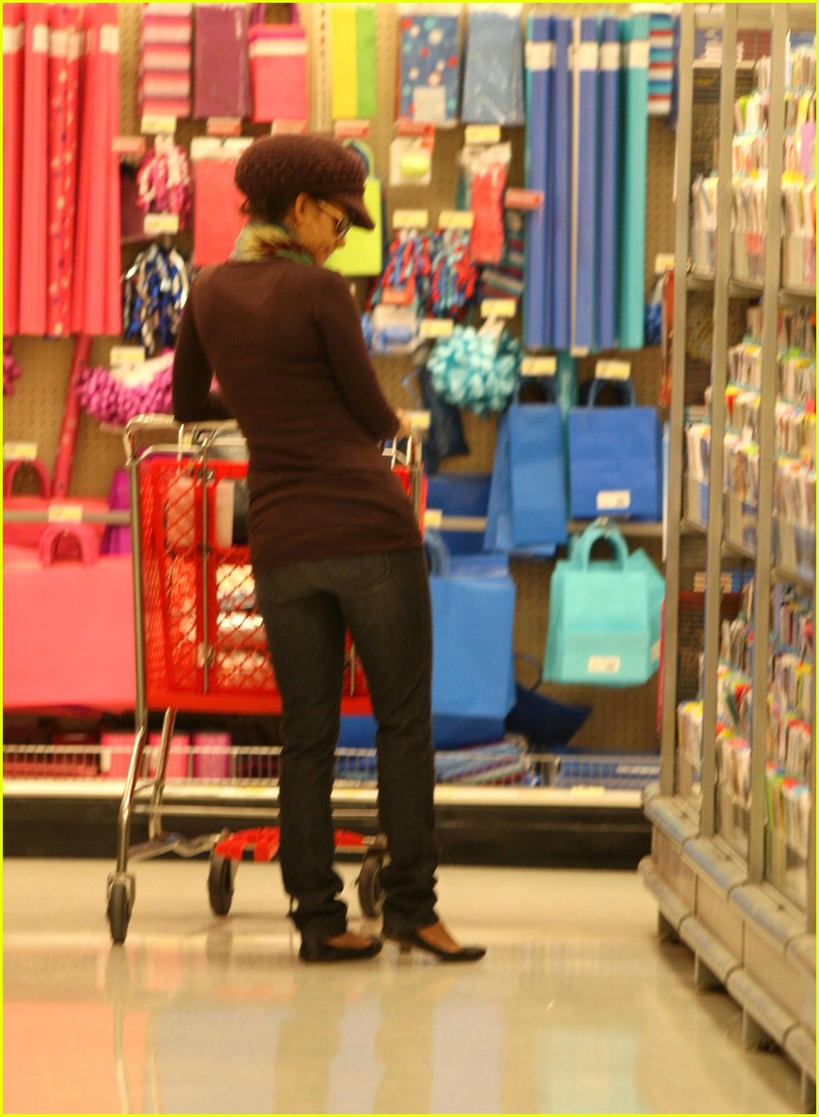 halle berry target 02