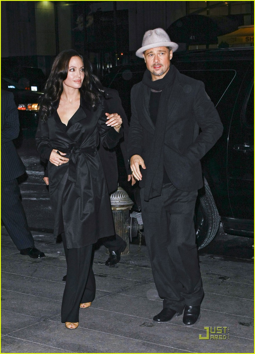 brad angelina black out 01