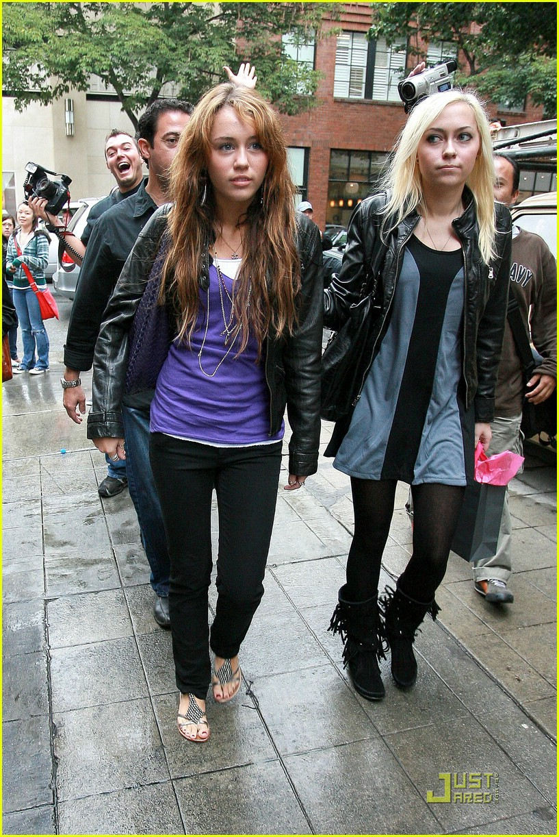 miley cyrus birthday shopping spree 031460091