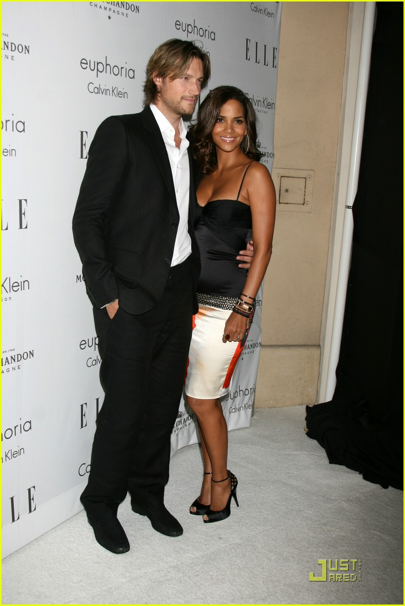 halle berry elle women in hollywood 111465511