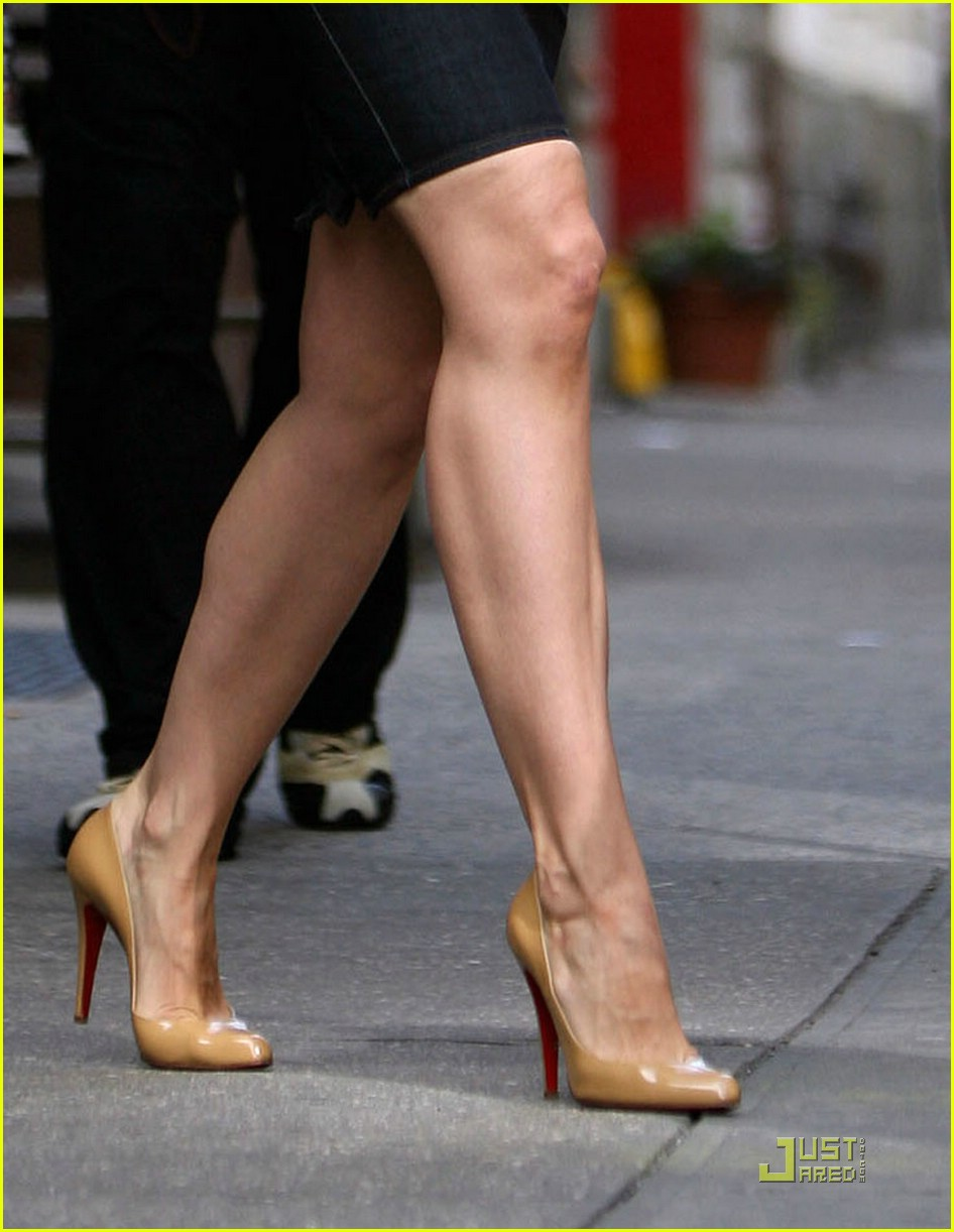 Full Sized Photo of katie holmes legs 04 | Photo 1463991 | Just Jared