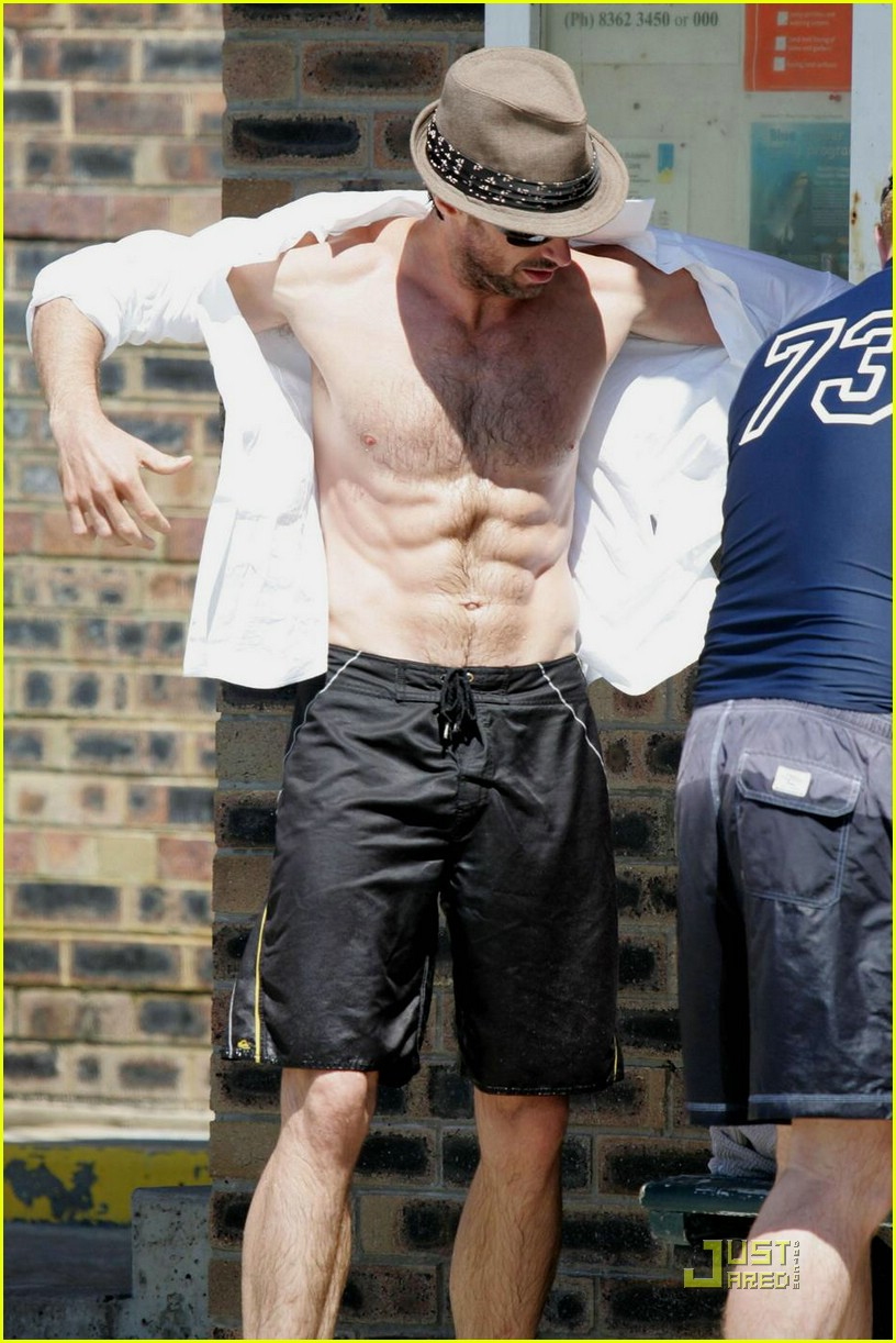 hugh jackman six pack stomach 01