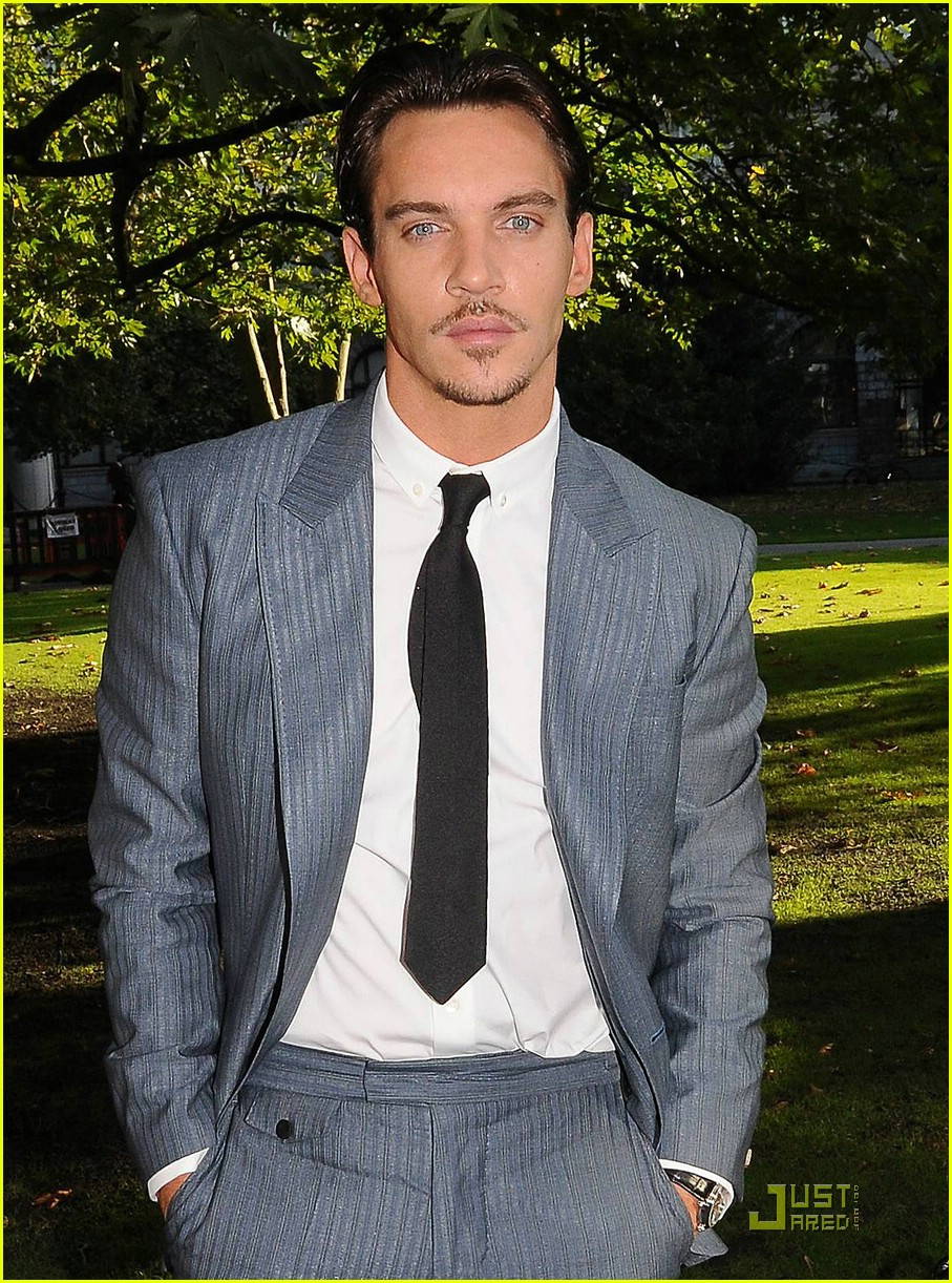 jonathan rhys meyers trinity college 03