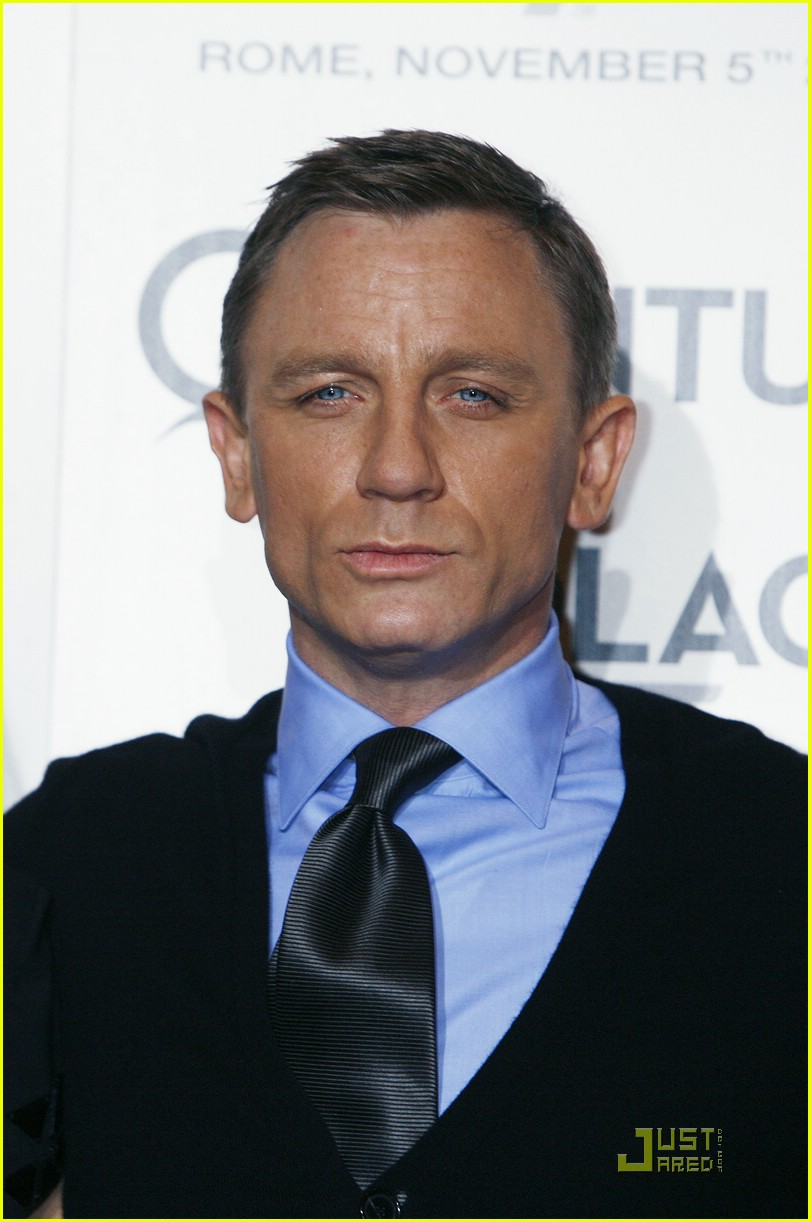 daniel craig black james bond 13