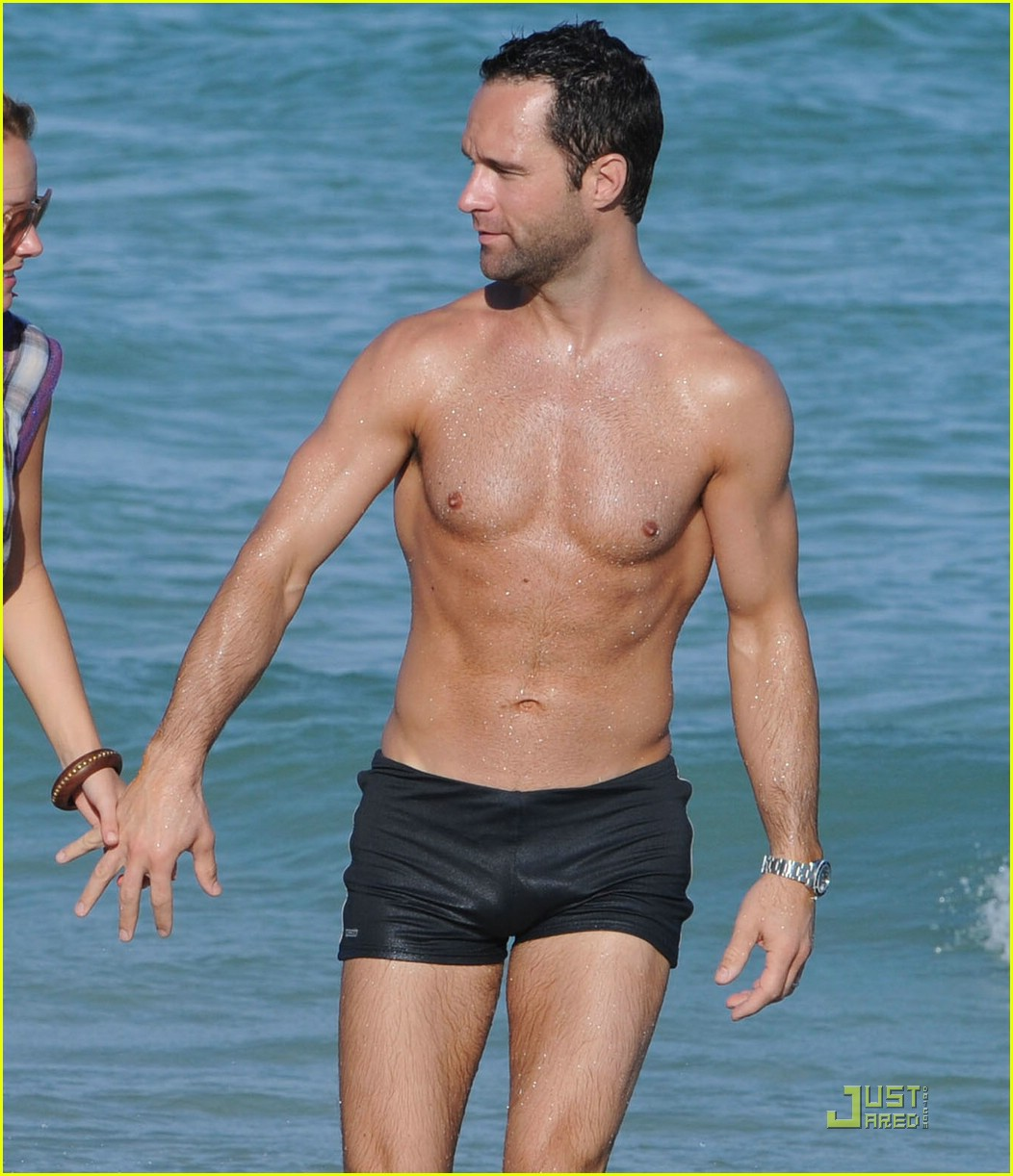 Full Sized Photo of chris diamantopoulos shirtless sexy 04 | Photo 1549381 | Just Jared