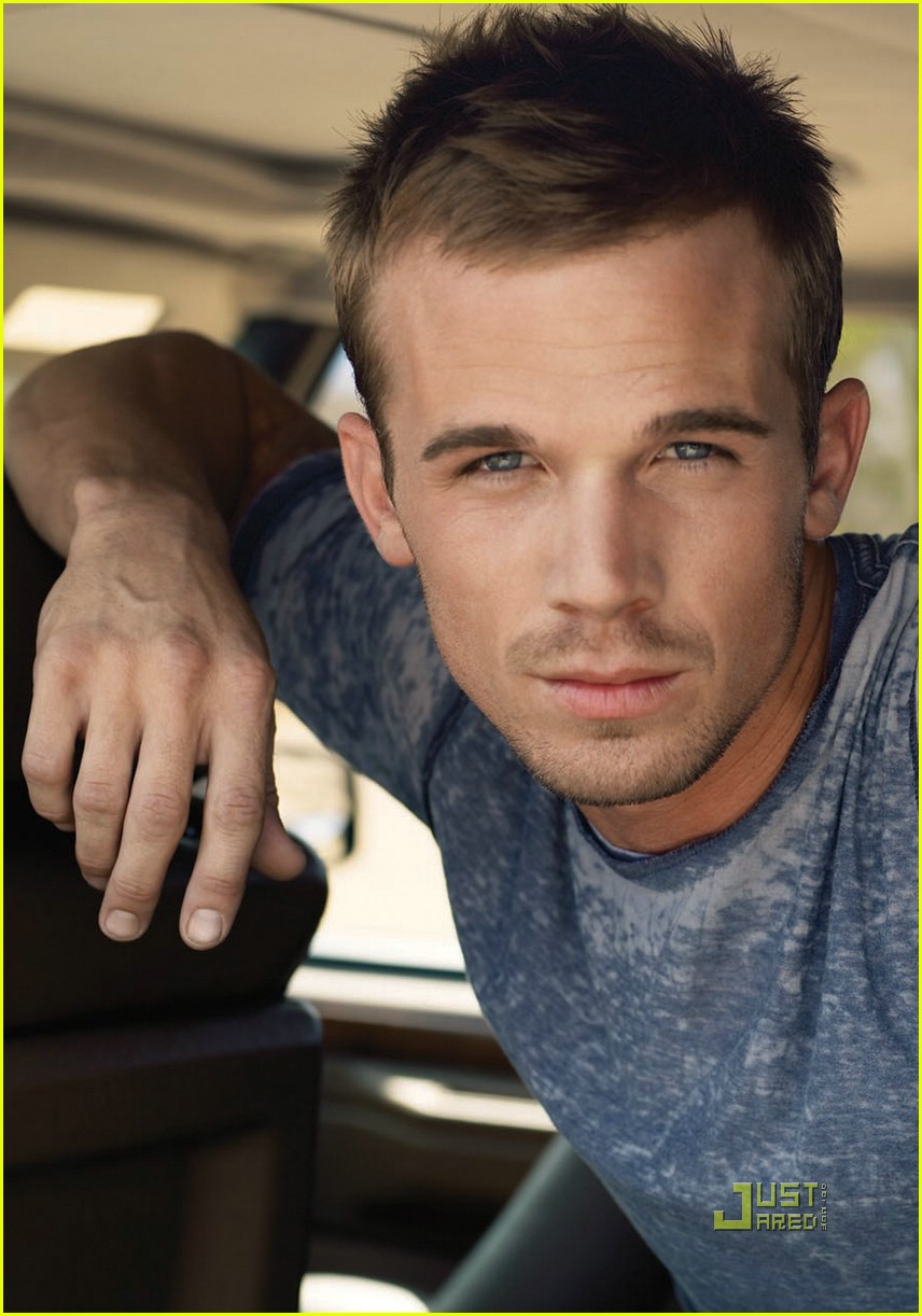 cam gigandet mens health december 2008 04