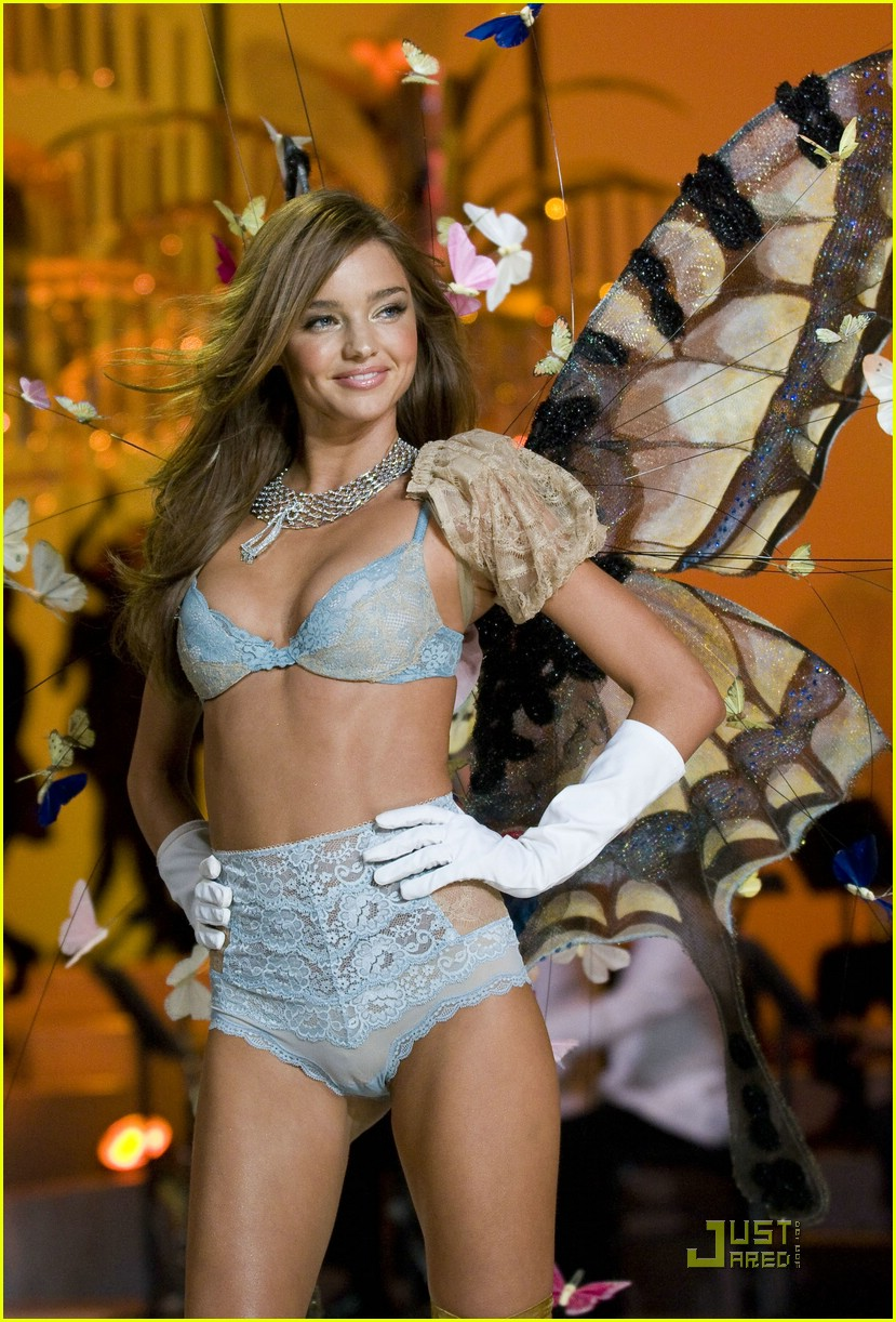 miranda kerr fashion show foxy 17
