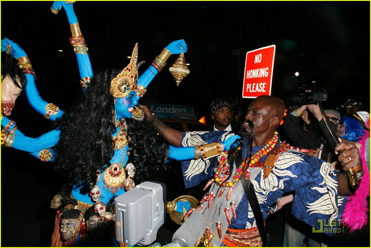 heidi klum blue indian goddess halloween 27