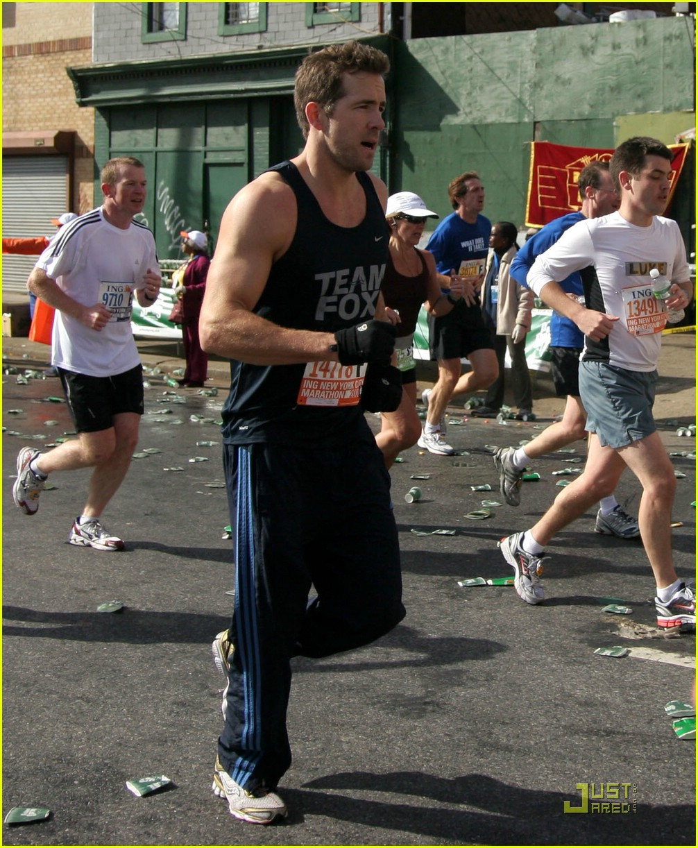 ryan reynolds nyc marathon 06