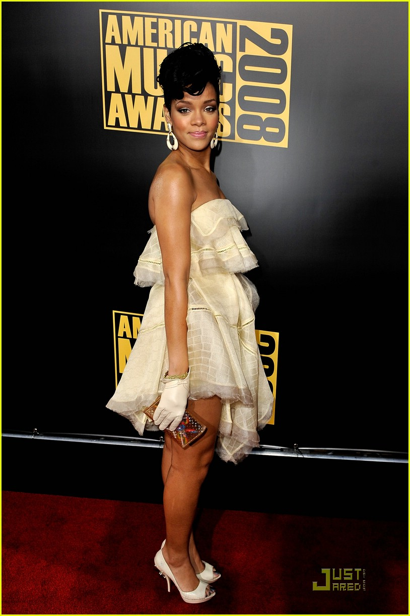 rihanna wins 2008 american music awards 22