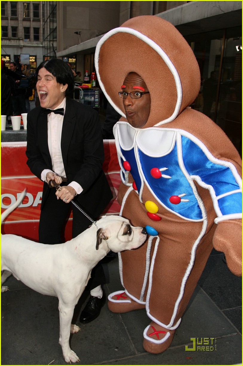 al roker gingerbread man dog 041522501