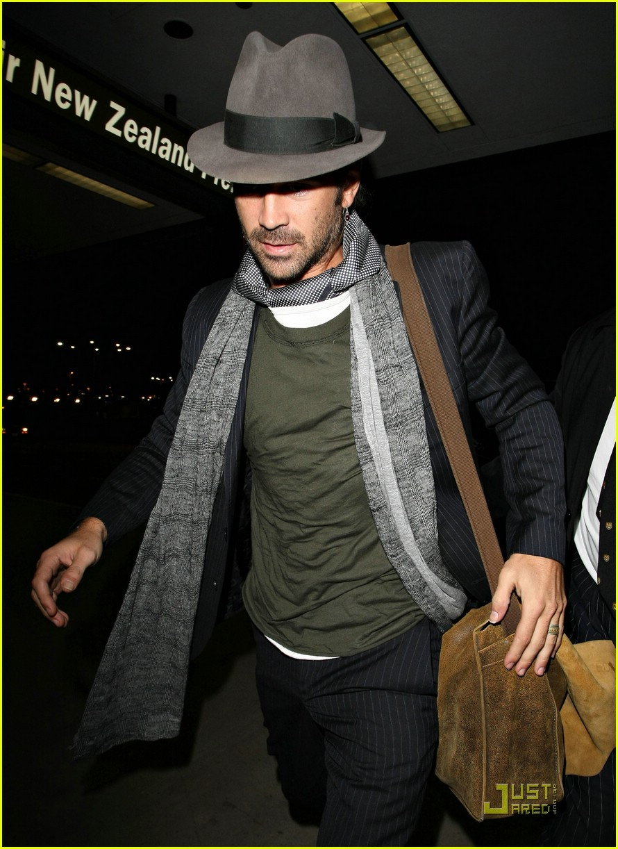 colin farrell flies far away 09