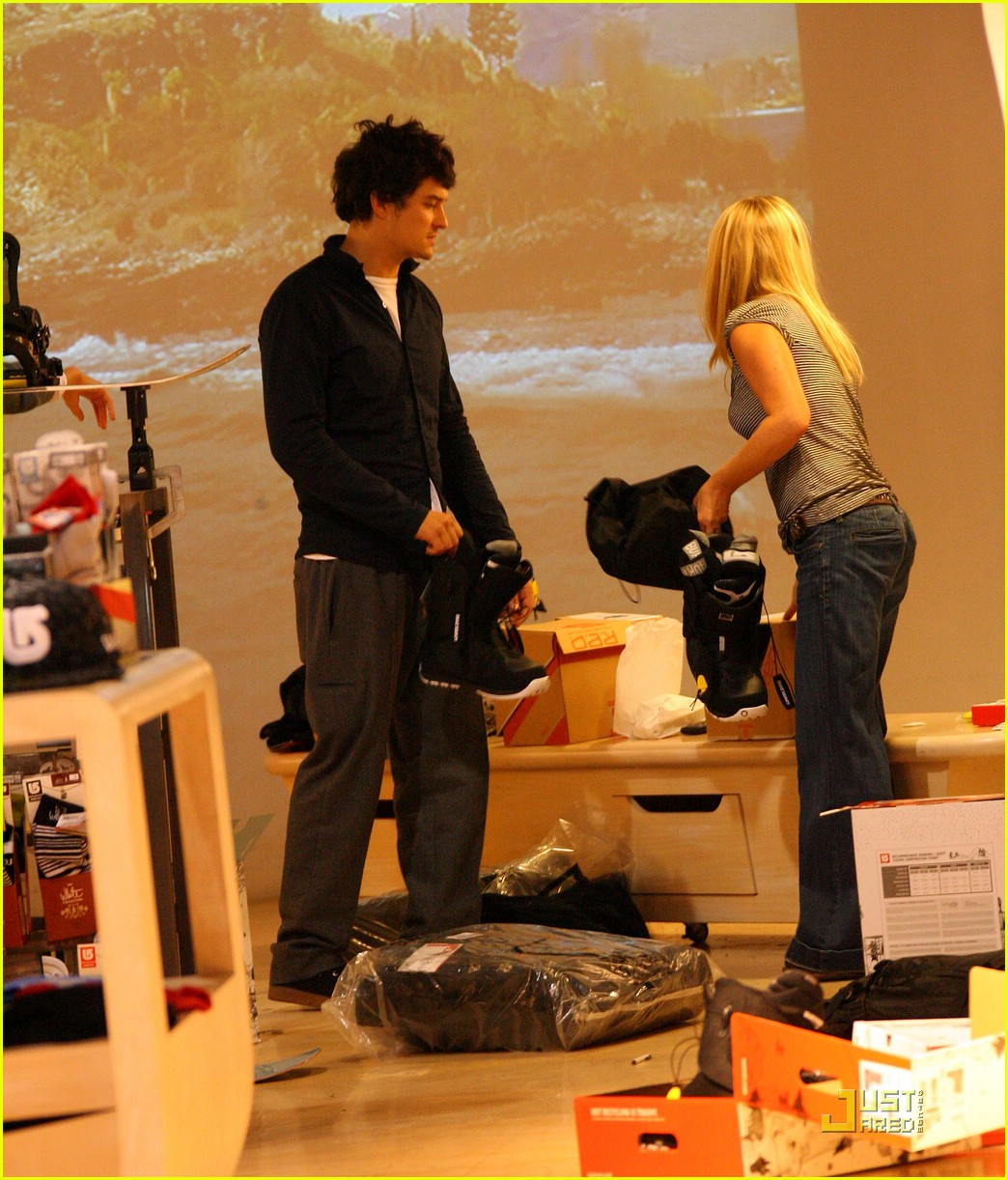 orlando bloom miranda kerr snowboarding shopping 07
