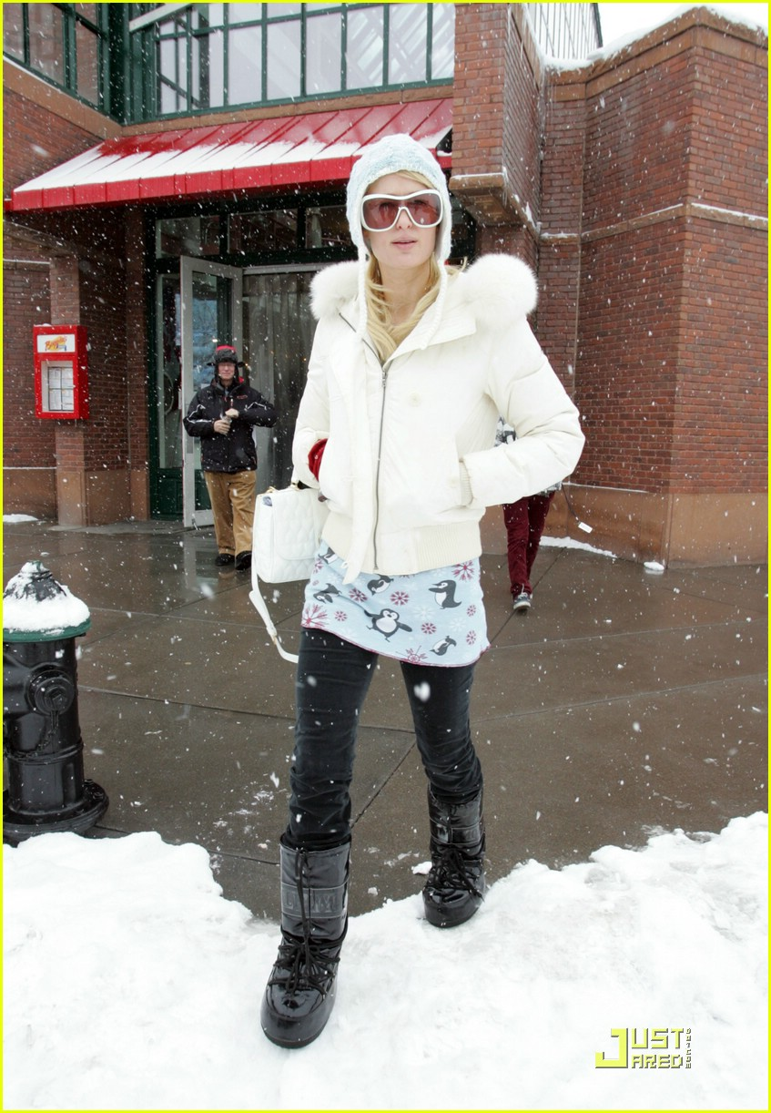 paris hilton aspen christmas 65