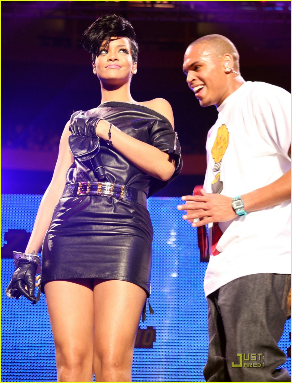 rihanna chris brown 2008 jingle ball 11