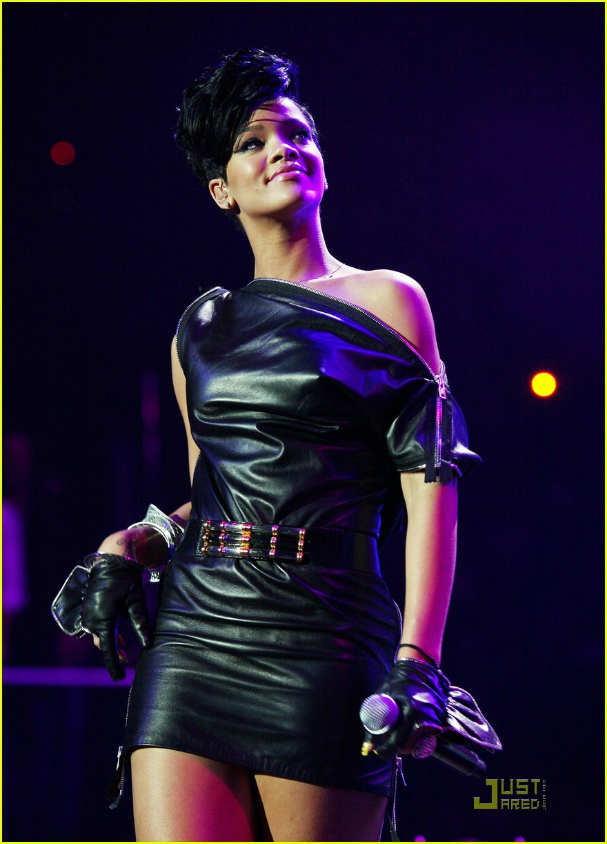 rihanna chris brown 2008 jingle ball 22
