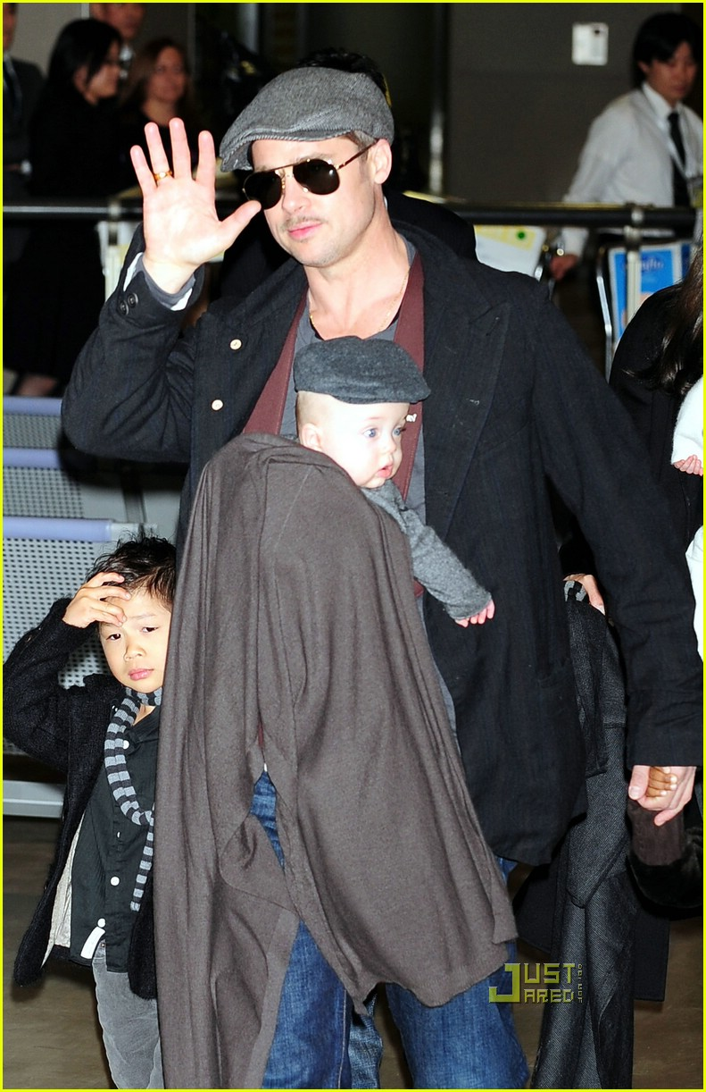 brad pitt angelina jolie twins japan 241683331