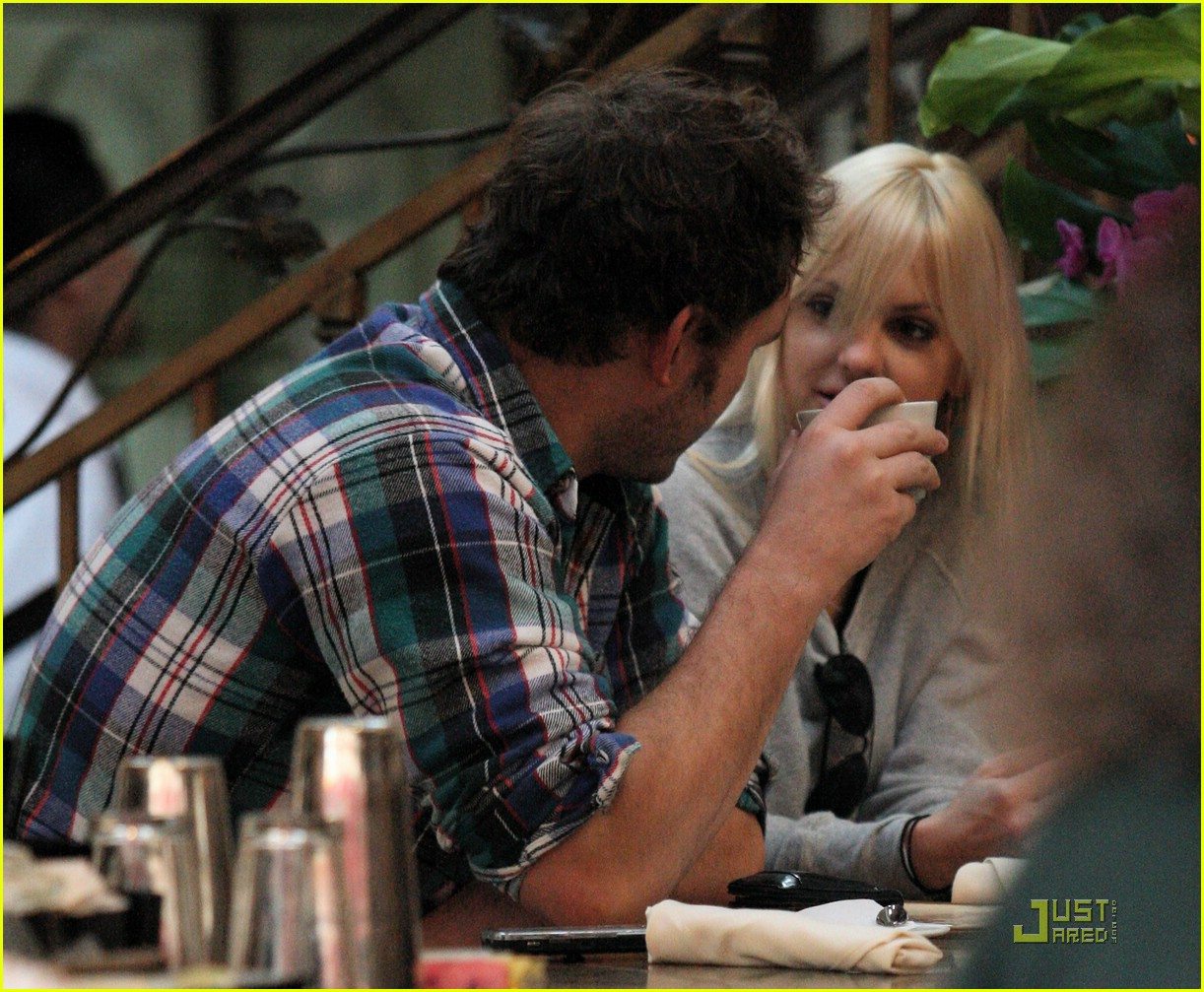 anna faris chris pratt couple 07