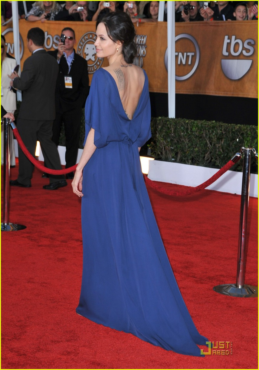 angelina jolie backwards dress sag awards 13