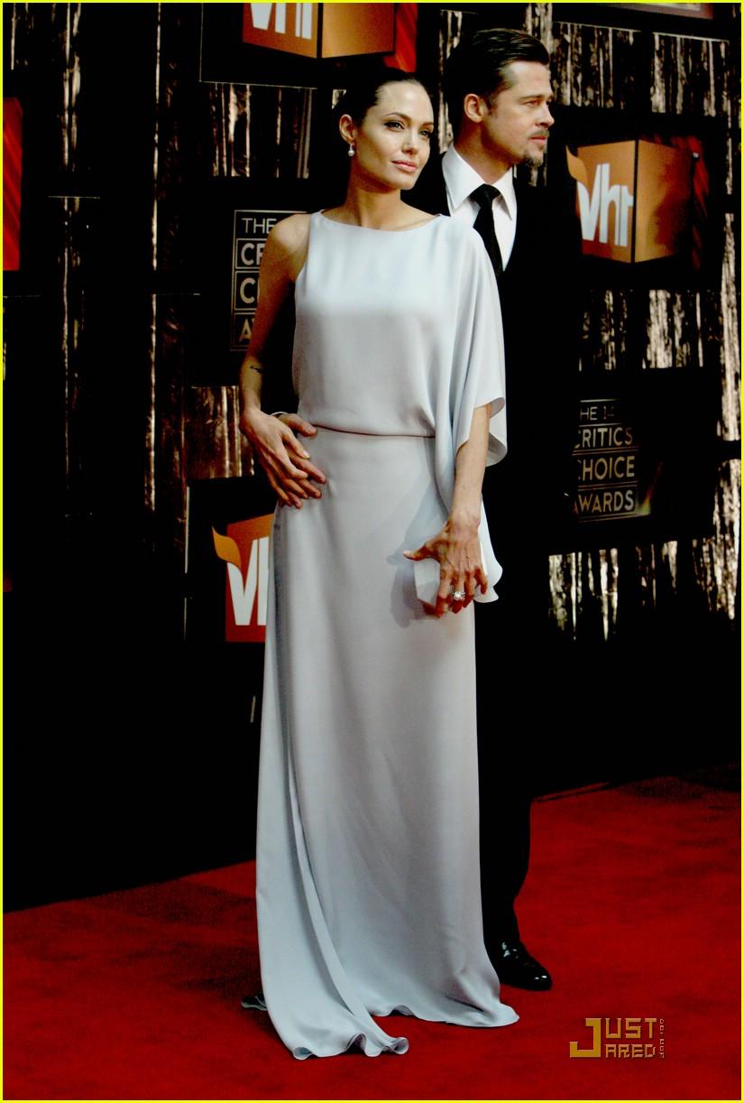 angelina jolie critics choice awards 2009 081639091