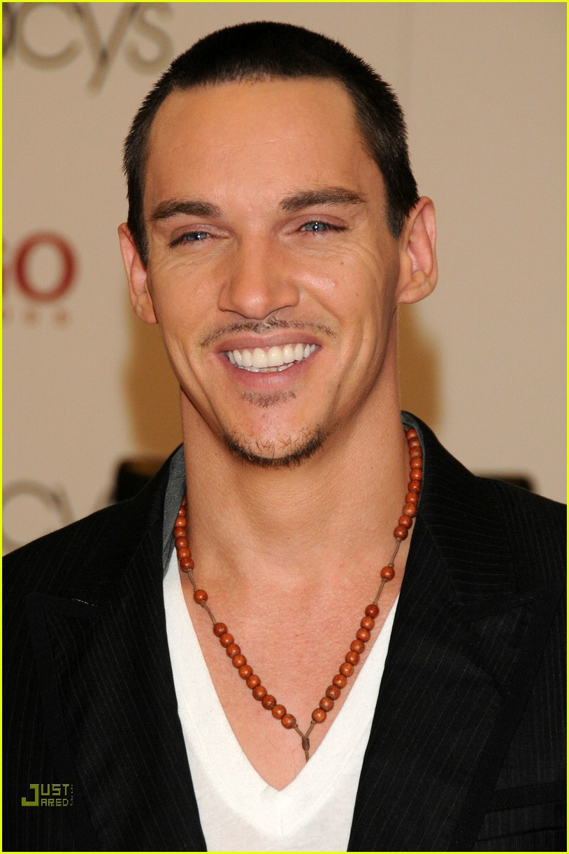 jonathan rhys meyers hugo boss 01