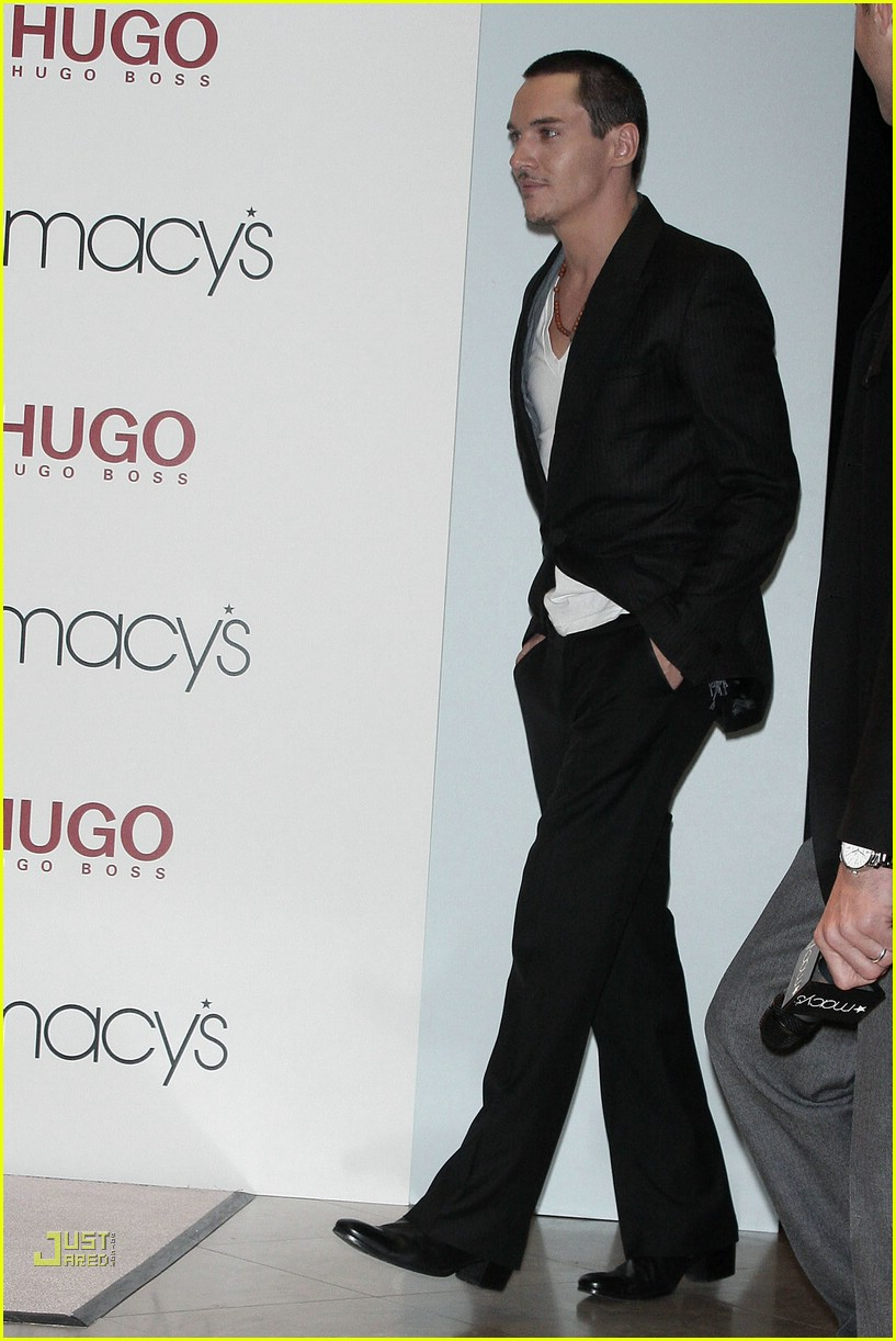 jonathan rhys meyers hugo boss 08