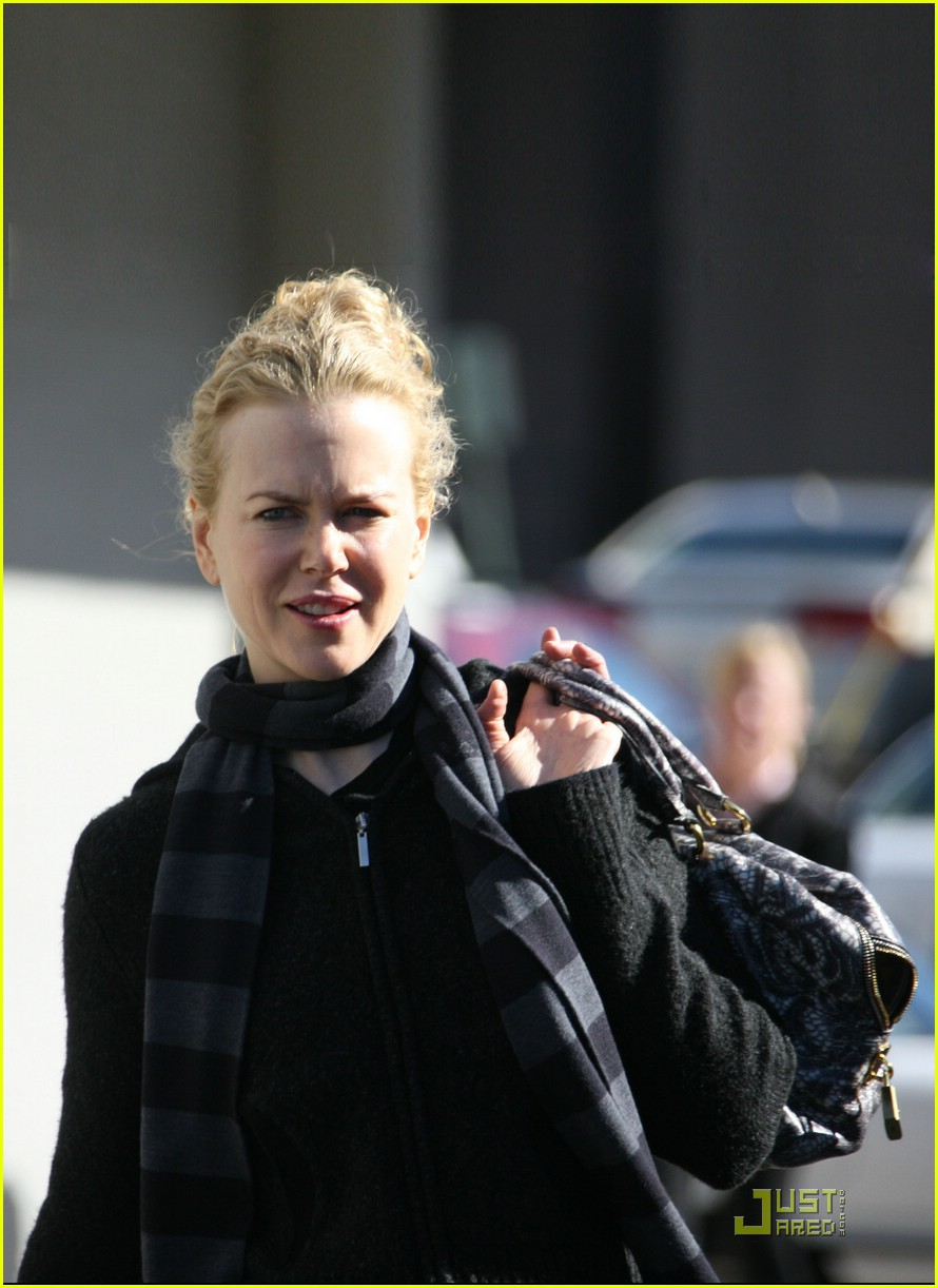 nicole kidman new year yoga 02