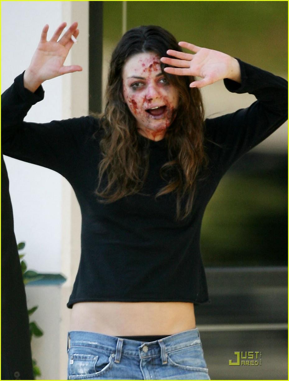 mila-kunis-zombie-11.jpg