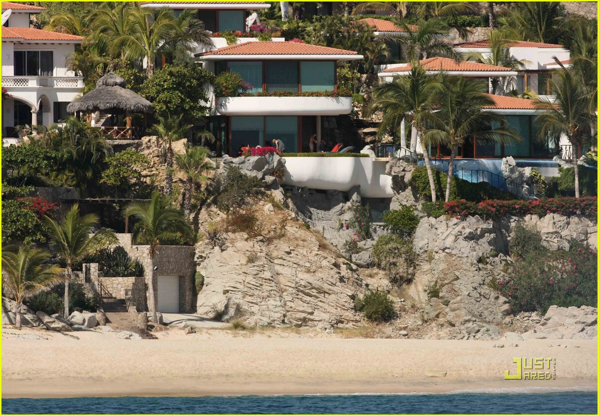 jennifer aniston john mayer cabo 051629661