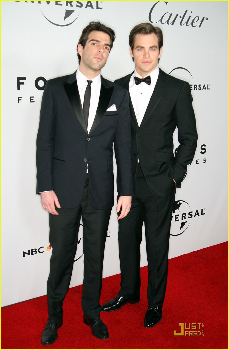 chris pine zachary quinto golden globes 2009 11